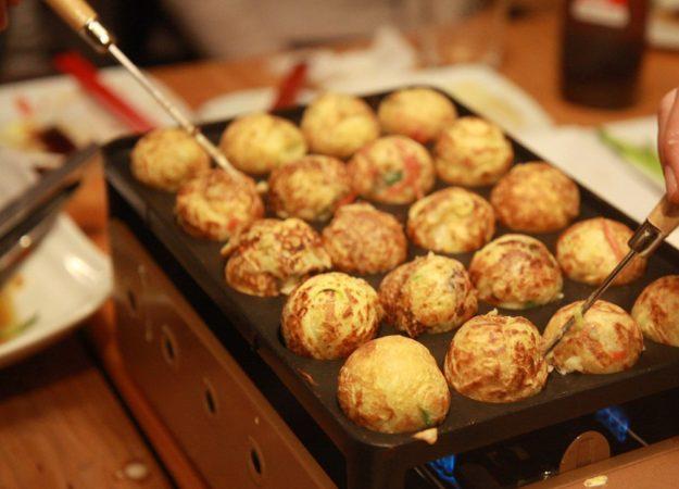 """Let's try to make Takoyaki at Japanese Restaurant """"Matsuri""""!!"""