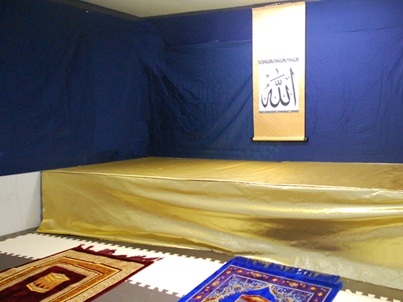 prayer_room001