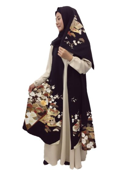 A set of hijab and kimono (same pattern)
